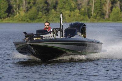 fastest bass boat speeds across water