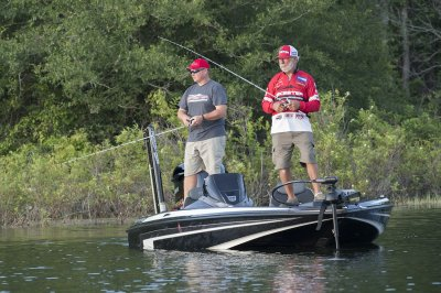 minn kota fortrex on box of 19 foot boat