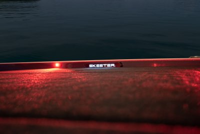 red front deck lighting on front deck of skeeter bass boat