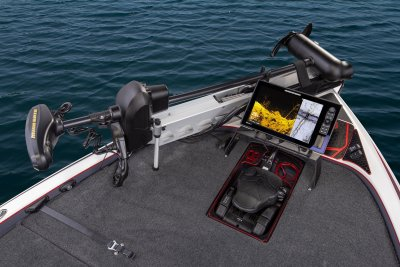 bow of skeeter fx21 apex edition bass boat