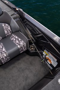 skeeter zx225 bass boat