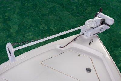 bow photo of sx240 bay boat