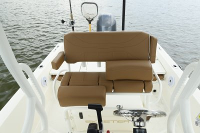 lean post on sx240 bay boat