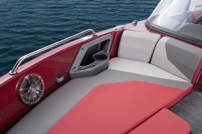 2019 Skeeter Solera205 Deep-V Boat